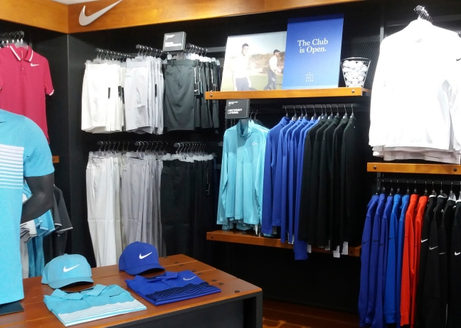 2. nike nikegolf visualmerchandising display freelance creative windowdressing merchandising visual.jpg