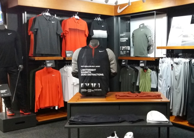 4. nike nikegolf visualmerchandising display freelance creative windowdressing merchandising visual.jpg